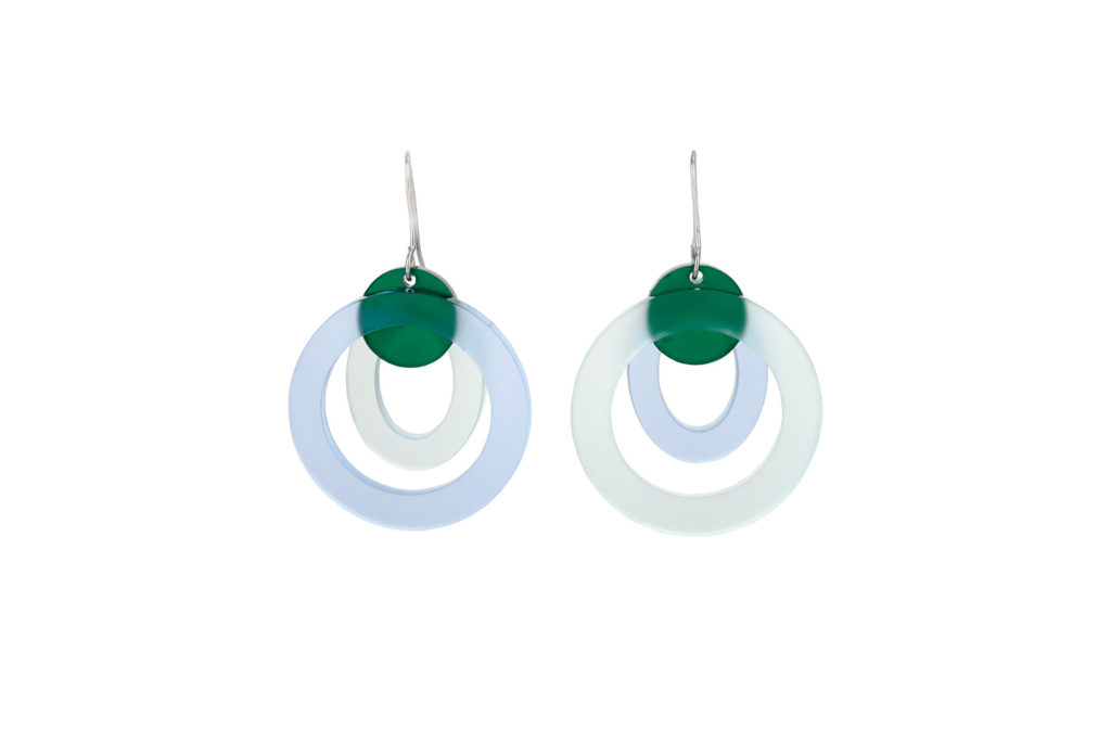 Small circular earrings in blue and green